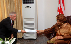 Israeli Ambassador presents letters of credence to President Sirleaf at the Foreign Ministry.