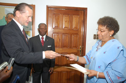 French Ambassador Jacques Gerard presents letters of credence to President Sirleaf.