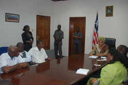 UL students in a meeting with President Sirleaf at the Foreign Ministry in Monrovia.