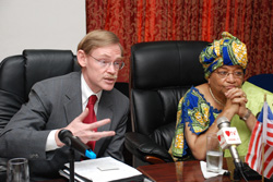 World Bank President Robert Zoellick and President Sirleaf at the Foreign Ministry in Monrovia.