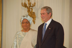 Presidents George Bush and Ellen Johnson Sirleaf at the White House in Washington, USA.