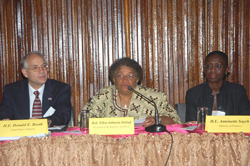 President Sirleaf flanked by US Ambassador Donald Booth and Finance Minister Antoinette Sayeh at the Foreign Ministry in Monrovia.