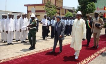 President Sirleaf  of Liberia received red carpet welcome  in  Guinea.