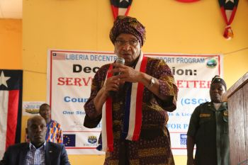 President Sirleaf makes remarks at Town Hall Meeting.