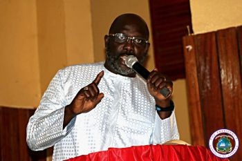 President Weah speaking to Bong Citizens at the Gbarnga Administrative Building.