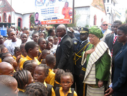 President Sirleaf with some Liberian kids in Monrovia.
