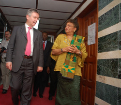 President Ellen Johnson Sirleaf and Belgian Foreign Minister Mr. Karel De Gucht at the Foreign Ministry in Monrovia.