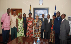President Sirleaf and members of the Federation of Liberian Youth.