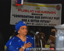 President Sirleaf addressing the opening session of the TRC public hearings.
