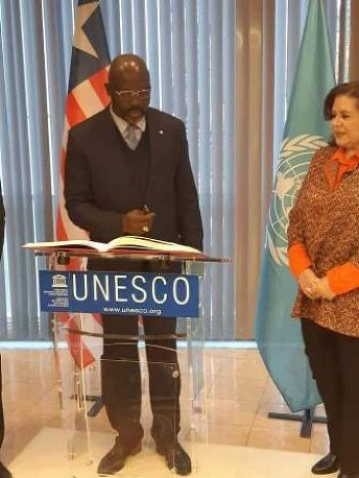 Pres  Weah in talks with Director of UNESCO