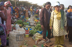President Sirleaf views a display of agricultural products in Ganta, Nimba County