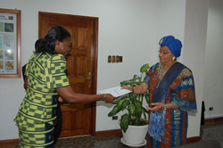 Ivorian Ambassador  Elizabeth Kinawonaman Toure of the Republic of La Cote D�Ivoire presenting her letters of credence to President  Sirleaf.