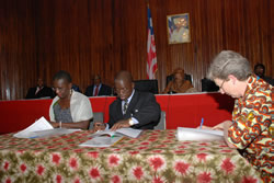 Ministers Sayeh, Korto and unicef's Charlton sign education pool fund